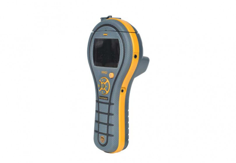Protimeter MMS2 har inbyggda mätspetsar för mätning av fuktkvot i trä och andra mjuka material