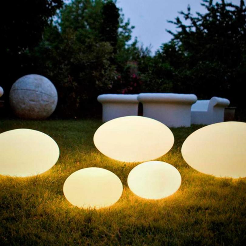 Eggy Pop avger ett mjukt och behagligt ljus utan bländning. Skärmen är tillverkad av polyeten - ett starkt, UV-beständigt och återvinningsbart material.