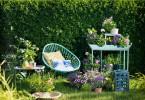 Stol i trädgård