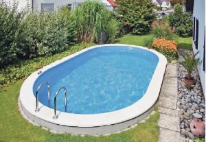 En pool i trädgården är en dröm för många. Foto : Poolsweden