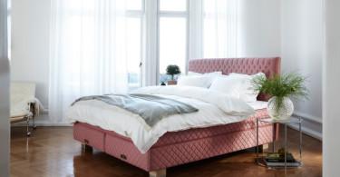 Röd säng