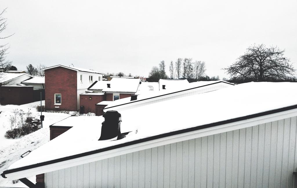 Efter vinterns snöfall – bra idé att se över taket